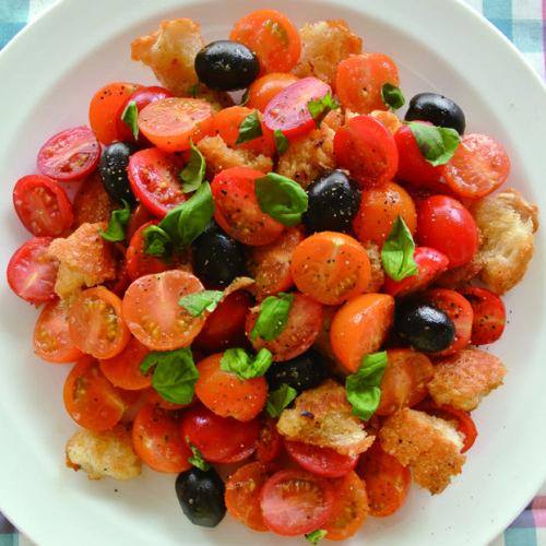 ミニトマトいっぱいのイタリアンサラダ